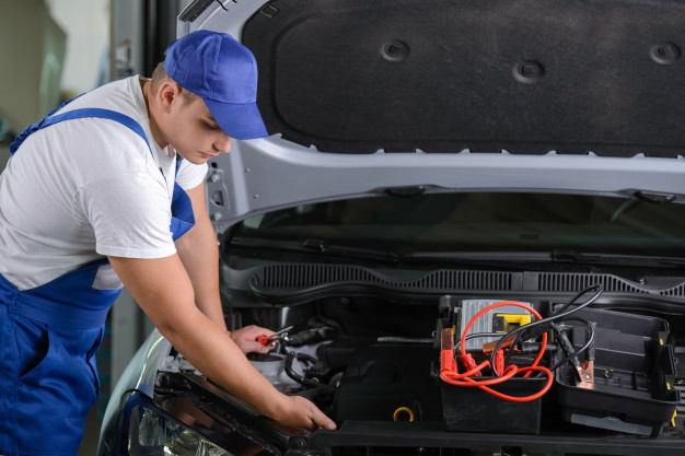 کارشناسی خودرو چیست ؟ کارشناس خودرو چه کار هایی میکند ؟